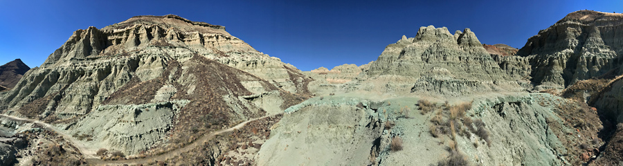 Blue Basin and Island in Time at Fossil Beds in OR