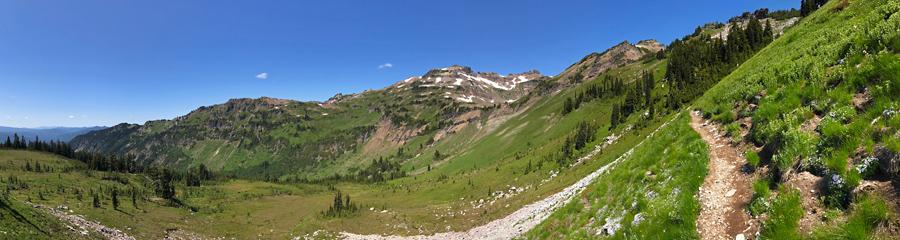 Snowgrass Flats at Goat Rocks Wilderness in WA